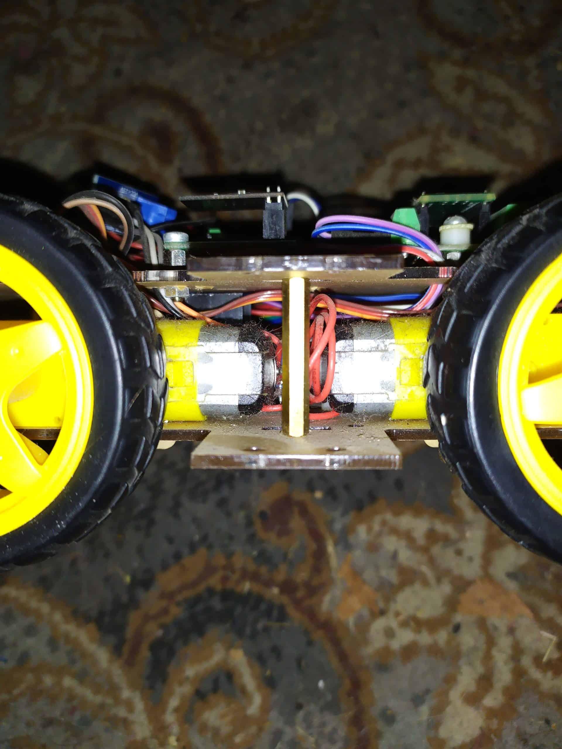 Машинка вид на двигатели